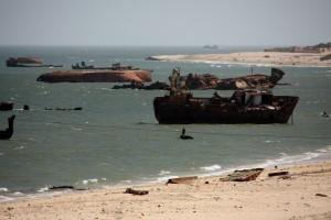 Schiffswracks in der Hafenbuch von Nouadibhou
